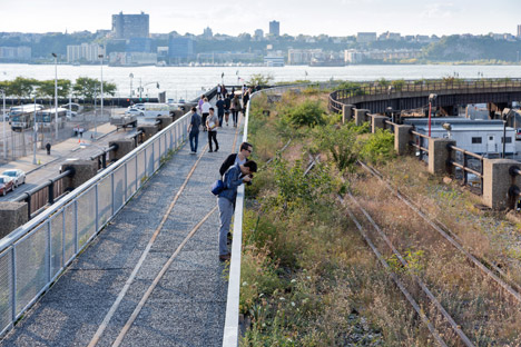 The-High-Line-at-the-Rail-Yards_dezeen_468_7