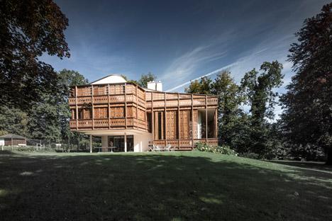 Villa by the Lake by Alexander Diem