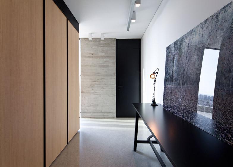 Y Duplex Penthouse by Pitsou Kedem