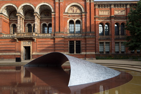 Zaha Hadid's wave installation at the V&A for London Design Festival 2014