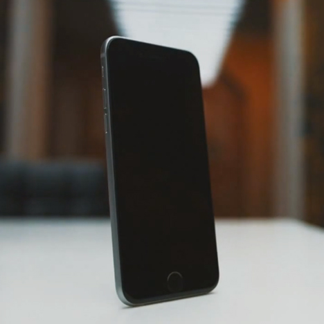 Video footage of Apple's new iPhone 6 design leaks