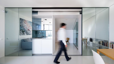 A029 apartment by Camarim Arquitectos