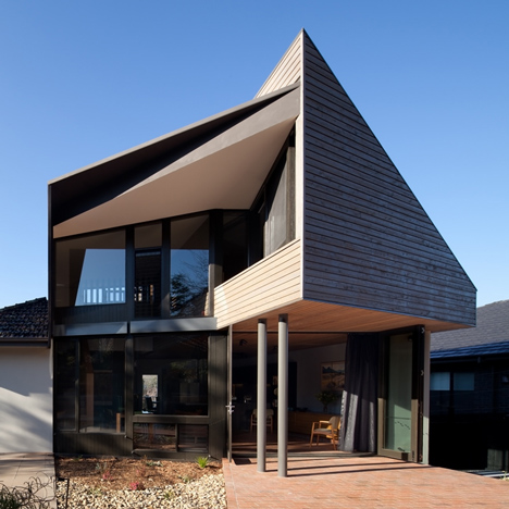 "Bent Architecture's wooden extension screens a Melbourne home from neighbouring ""McMansion"""