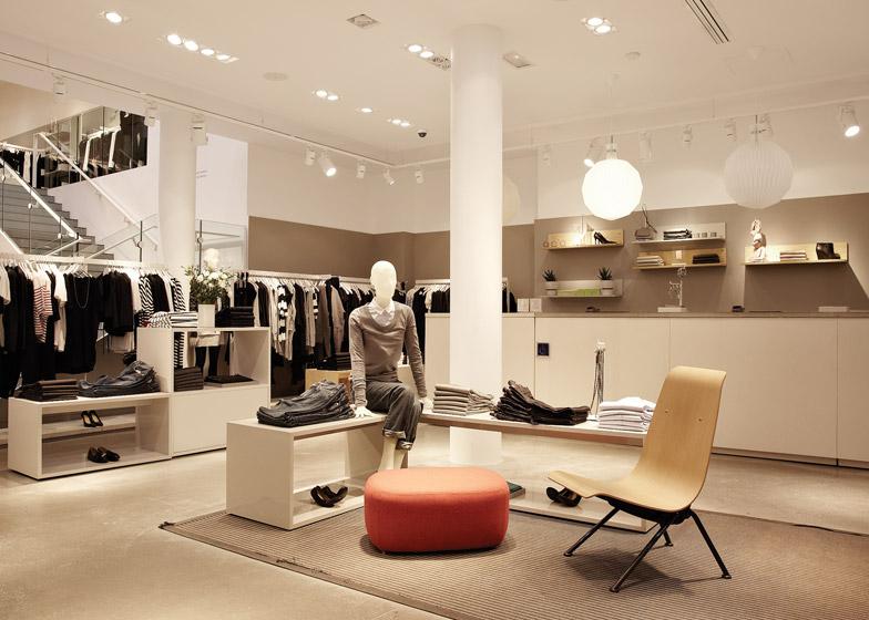COS' Paris store