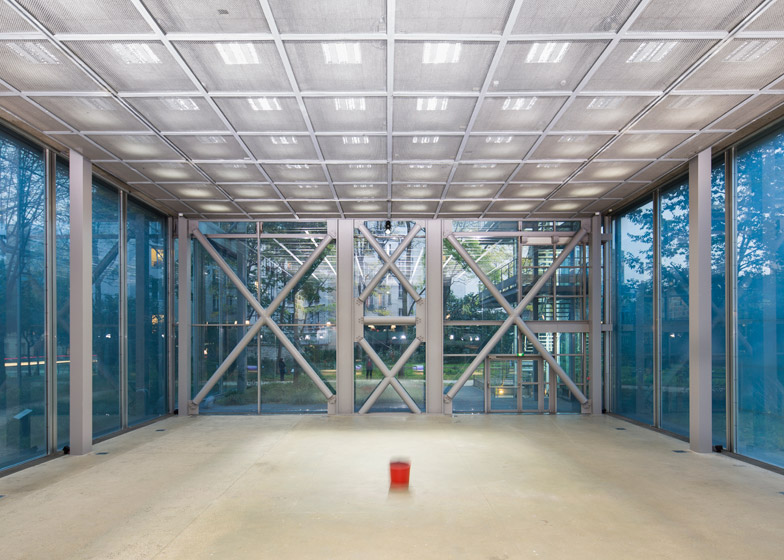 The Musings on a Glass Box installation by Diller and Scofidio at Jean Nouvel's Fondation Cartier