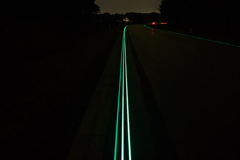 Glowing Lines Smart Highway by Daan Roosegaarde