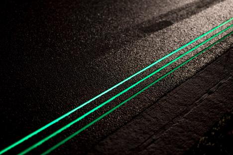 Daan Roosegaarde S Pilot Smart Highway Is A Road Lit With