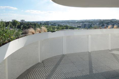 Housing by ECDM Architectes