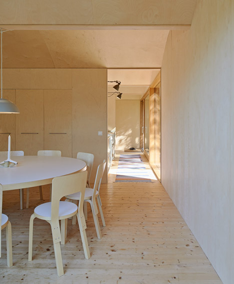 Husaro_House_by_Tham_and_Videgard_dezeen_0_1000