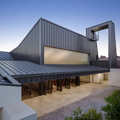 La Ascension del Señor Church by AGi architects