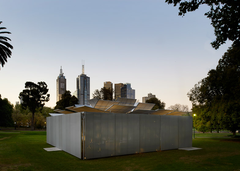 "Sean Godsell unveils inaugural MPavilion designed to ""bloom like a flower"""