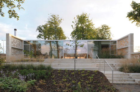 Maggie's Centre Lanarkshire by Reiach and Hall