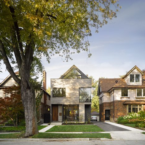 Moore_park_residence_by_Drew_Mandel_Architects_dezeen_sq