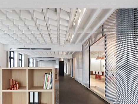 Alexander fehre designs office for a conveyor belt for Office design dezeen