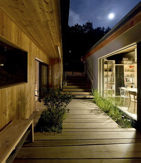 Studio_and_House_in_Prague_by_A1Architects_dezeen_468_7