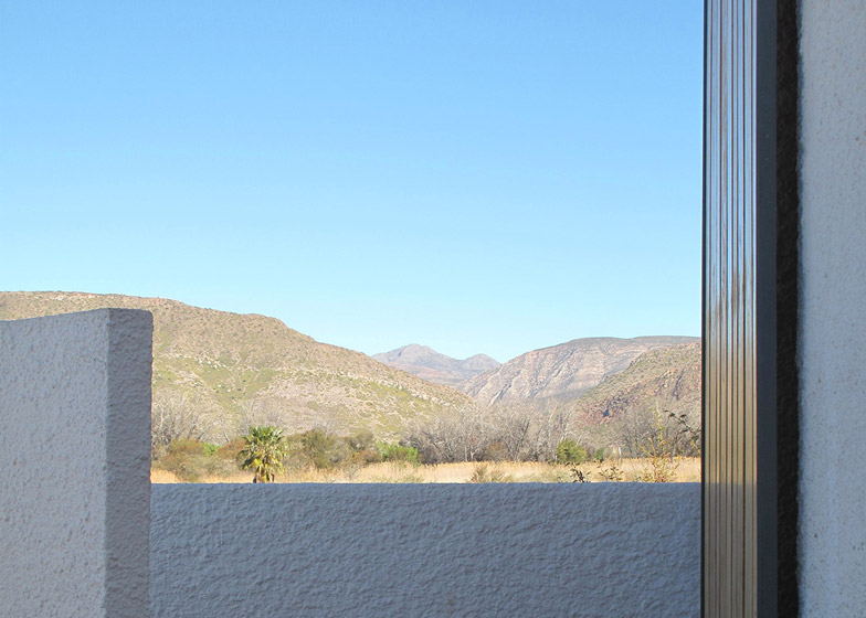 Swartberg house by Openstudio Architects