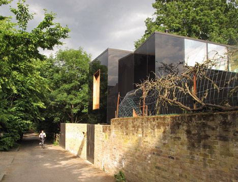 Sydenham house by Ian McChesney