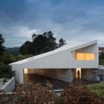 Taíde House was built over the granite walls  of a family's original residence