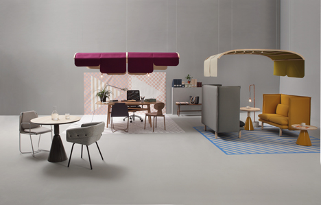 Gráfica collection with Tartana hanging above two  tables