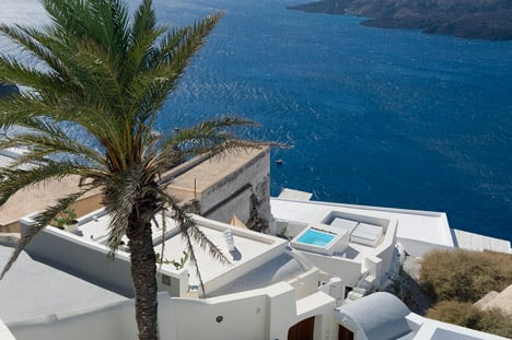 A Holiday House in Santorini Island by Alexandros Kapsimalis and Marianna Kapsimalis