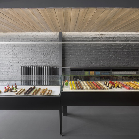 À La Folie patisserie contrasts colourful treats with a black and grey interior