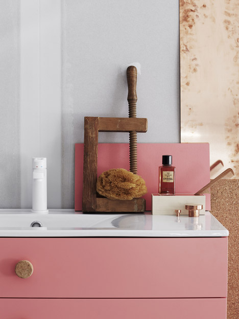 Bathroom-furniture-by-Swoon_dezeen_468_0