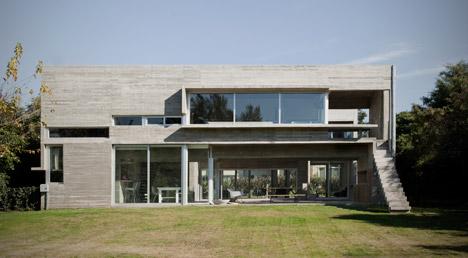 Casa Torcuato by BAK Arquitectos