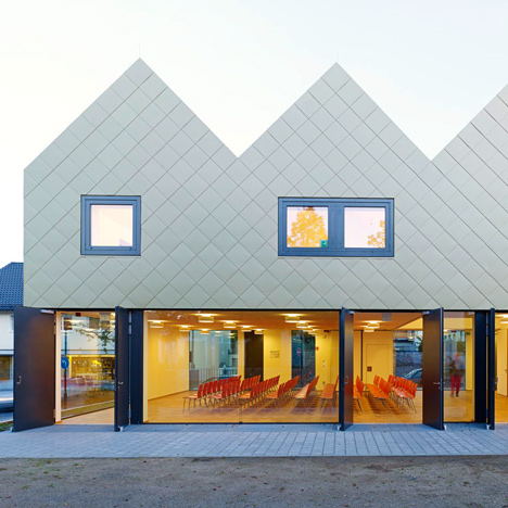 Community centre in Urberach by Netzwerk Architekten