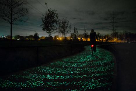 Daan Roosegaarde's Van Gogh Bicycle Path