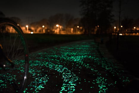 Daan Roosegaarde's Van Gogh Bicycle Path
