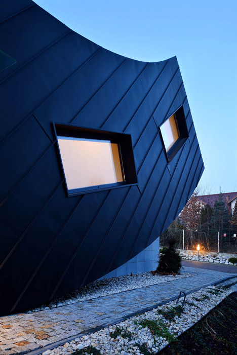 Domo Dom by Tadeusz Lemanski