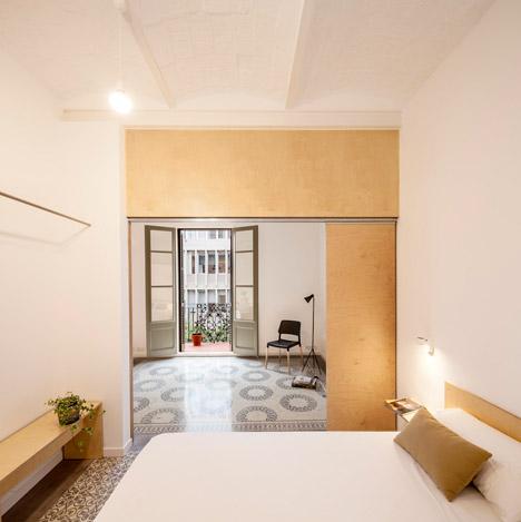 Eixample apartment renovation in Barcelona by Adrian Elizalde