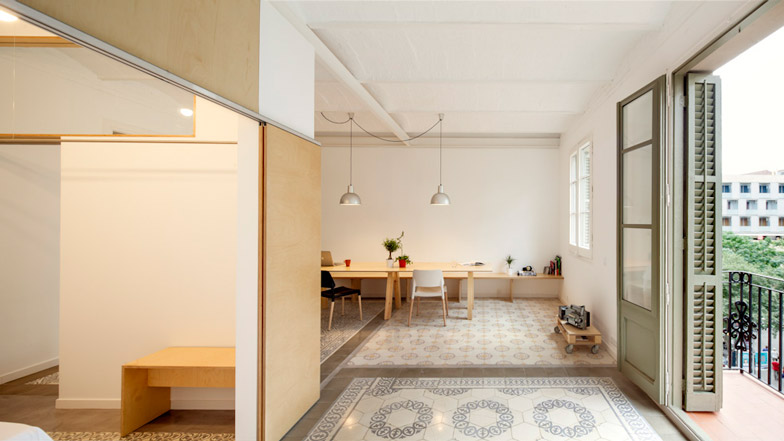 Eixample apartment renovation in Barcelona by Adrian Elizalde