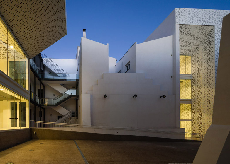 Fine Arts Museum by Estudio Arquitectura Hago