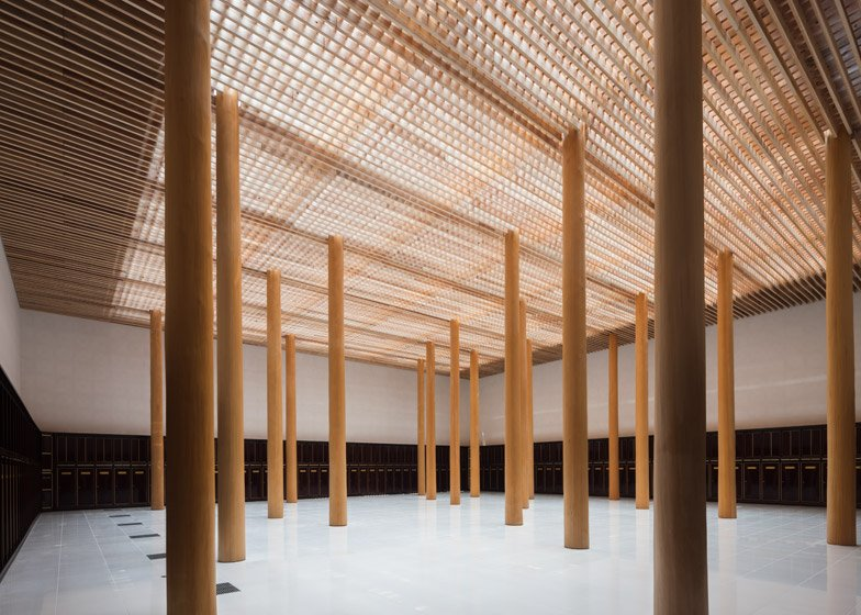 Furumori Koichi Studio Adds Timber Latticework To A Temple