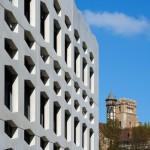 Hexagonal windows pattern the facade of German office building by Wurm + Wurm