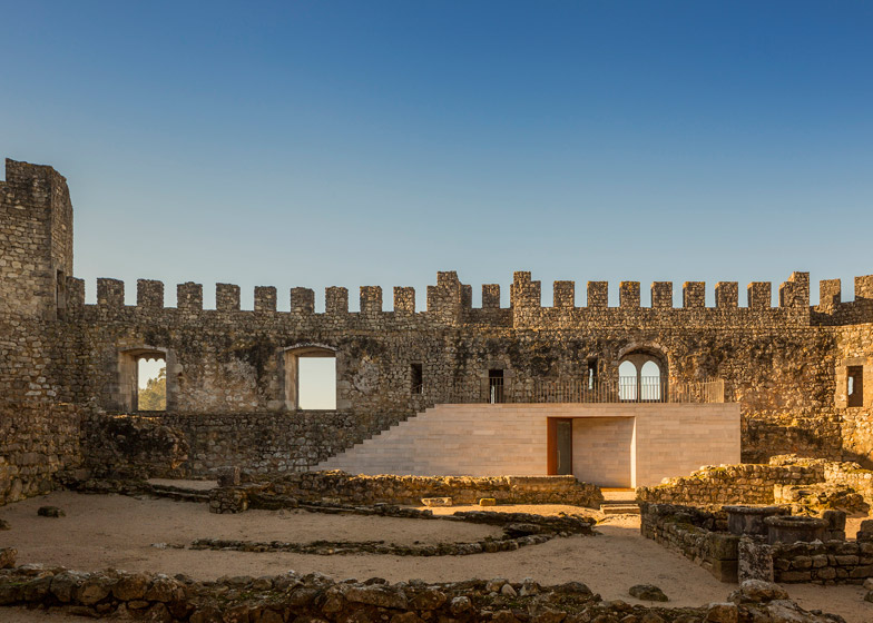 Pombal Castle's Visitor Centre by Comoco Architects