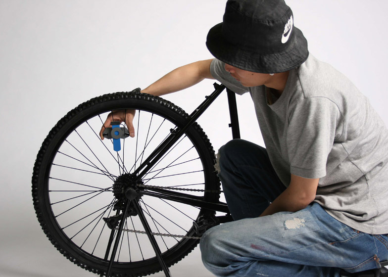 Jack Albert Trew designs bicycle-powered centrifuge to enable blood testing in rural Africa