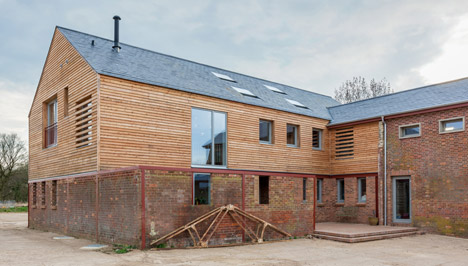 Timber Frame House in Leighton Buzzard by A-Zero
