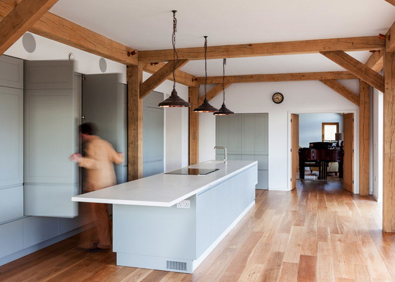 A Zero Turns An English Cow Shed Into A Timber Framed Family