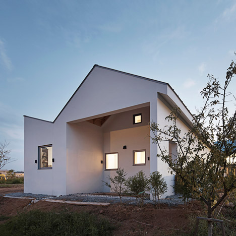 Twin Peaks House by Apparat-C has a zigzagging roof profile