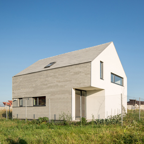 Insert Studio completes house in Romania with two cut-away corners