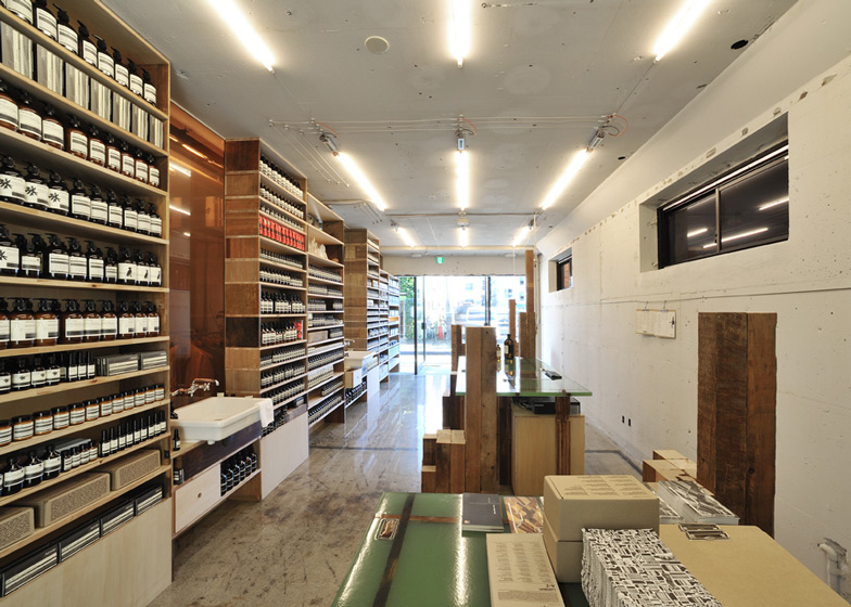 Aesop Aoyama by Schemata Architecture Office