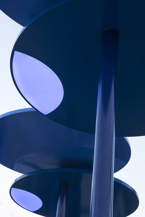 Big-Blue-Bus-Shelters-by-LOHA_dezeen_468_3