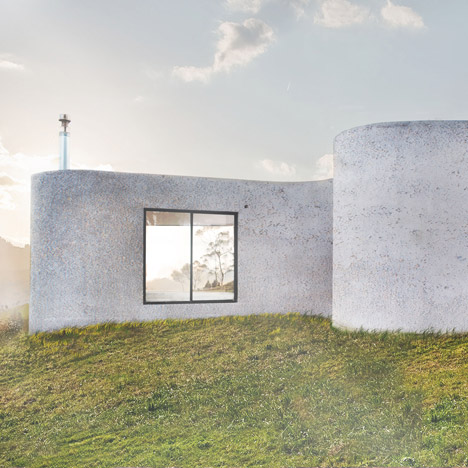Clover-shaped house by Felipe Escudero built near Chimborazo mountain