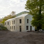 Max Dudler adds sandstone entrance building to Hambach Castle grounds