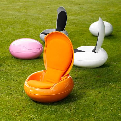Garden Egg Chair by Peter Ghyczy_column-pic _468_dezeen