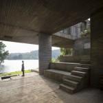Pezo von Ellrichshausen's Casa Guna is a top-heavy house beside a lagoon