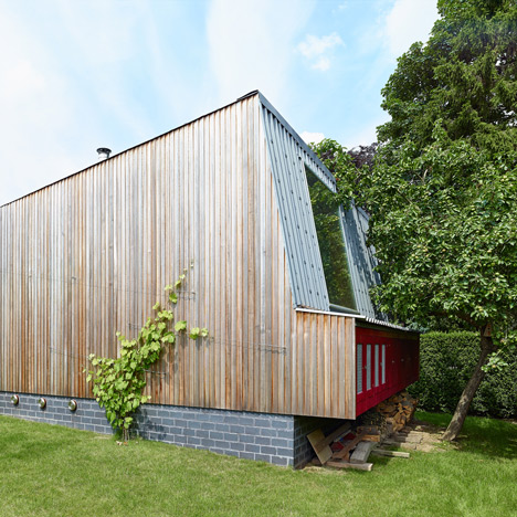 Garden annex by De Smet Vermeulen sits on the edge of an orchard