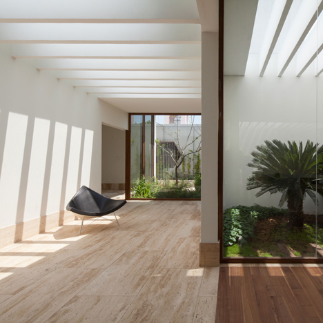 Goko's House of Eight Gardens frames a variety of open-air courtyards